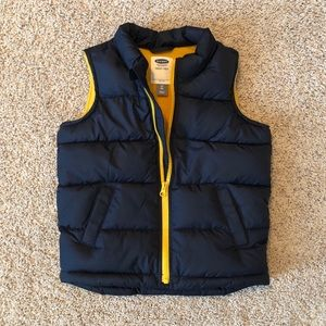 Old Navy boys puffer vest in Navy blue & gold, 5T